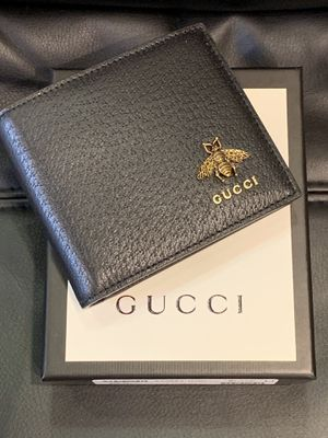 Men's Gucci leather wallet for Sale in New York, NY
