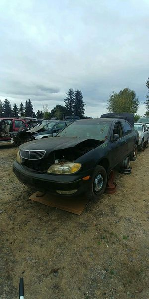 Parting out 2000 Infiniti I30 for Sale in BETHEL, WA