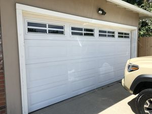 16x7 Double Insulated Garage door with motor and windows for Sale in Los Angeles, CA