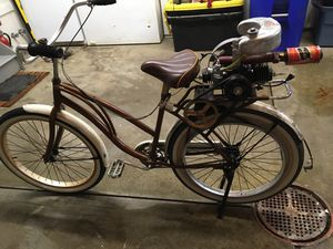 Vintage looking bike with 1940s gas powered Maytag motor for Sale in Aurora, OH