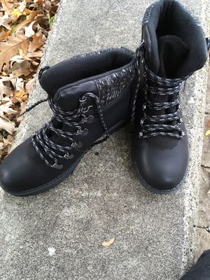Brand new size 8 boots for Sale in Nashville, TN