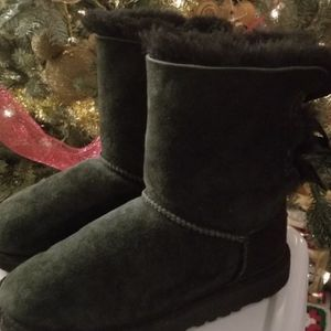 Ugg Bow Boots for Sale in Garden Grove, CA