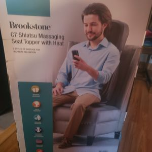 brookstone c7 shiatsu massager for Sale in San Jose, CA