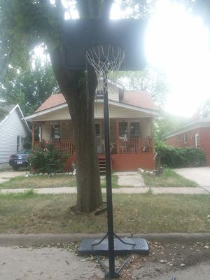Lifetime portable basketball hoop for Sale in Lincoln Park, MI