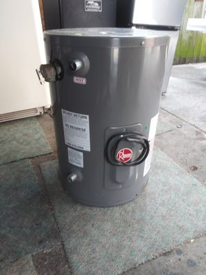 Water heater for Sale in Southgate, MI