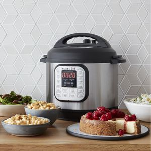 NEW, 8-Quart 7-in-1 Multi-Use Programmable Pressure Cooker, Slow Cooker, Rice Cooker, Sauté, Steamer, Yogurt Maker and Warmer for Sale in Woodbridge, VA
