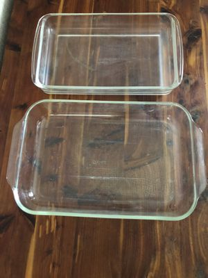 2 Pyrex casserole dishes for Sale in Fort Lauderdale, FL