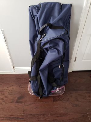 Rockland Duffle Bag NWT for Sale in Saint Charles, MD