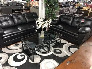 Black leather sofa and loveseat set for Sale in Chicago, IL