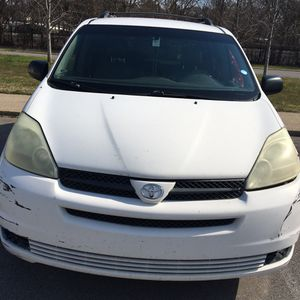 Toyota sienna 2004 head gasket problems is not drivable for Sale in Nashville, TN