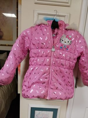 HELLO KITTY GIRLS SIZE 6 WINTER JACKET SIZE for Sale in Hawthorne, CA