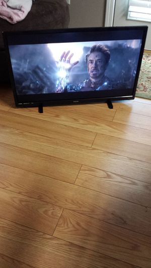 "-32"" In. 2019 Model Philips Roku Smart TV W/Remote- for Sale in Forest Park, GA"