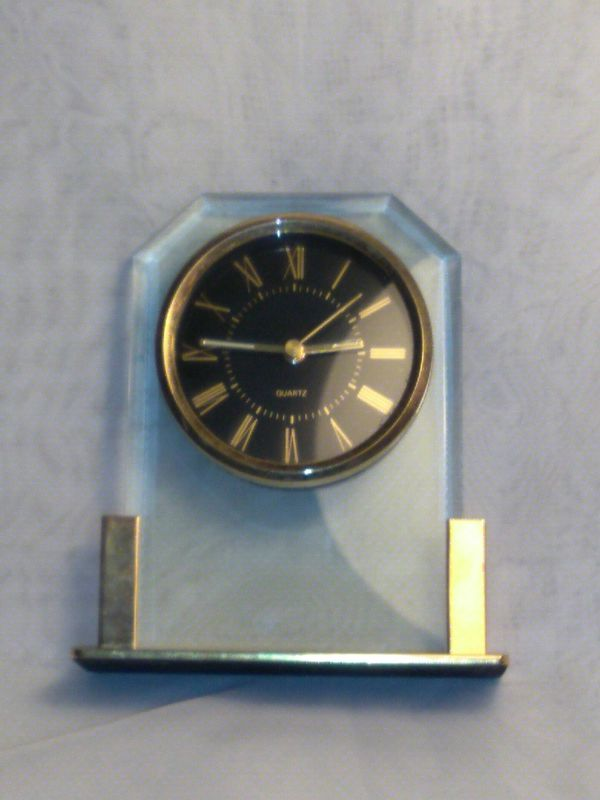Vintage Quartz Bedside Desk Mantle Clock Gold Tone With Alarm