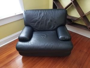 ROCHE leather oversized chair for Sale in West Palm Beach, FL
