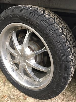Universal 6 lug rims and tires for Sale in New Caney, TX