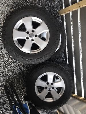 Jeep tires for Sale in Queens, NY