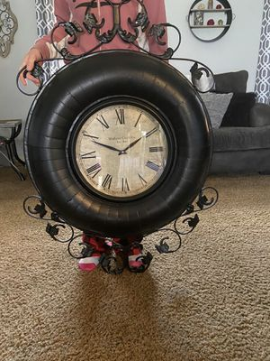 Large decorative working clock for Sale in Franklin, OH