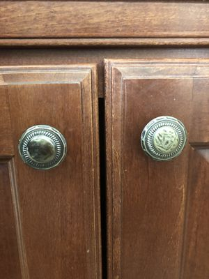 Kitchen Cabinet Door Knobs for Sale in Hesperia, CA