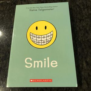 Smile by Raina Telgemeir - Used (Good Condition) for Sale in Renton, WA