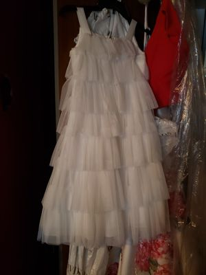 Girls dress worn once in a wedding for Sale in Columbia, TN