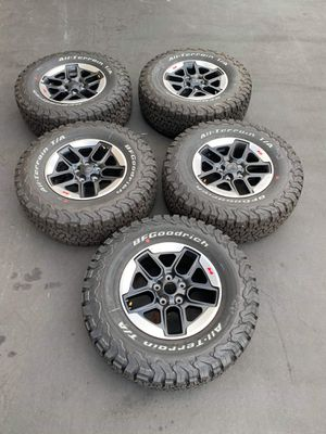 """17"""" Jeep Wrangler Rubicon brand new wheels and tires for Sale in Solana Beach, CA"""