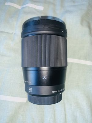 Sigma 16mm f/1.4 DC DN Contemporary Lens. for Sale in Redlands, CA