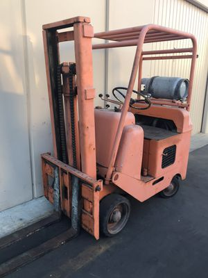 Forklift it's working for Sale in Norwalk, CA
