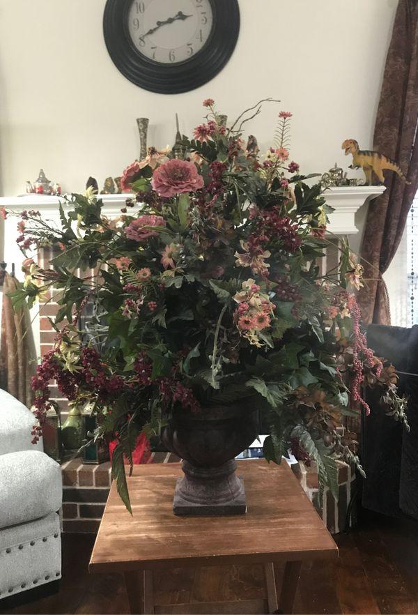 vintage aesthetic artificial flower vase.