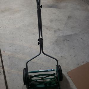 Scott's Manual Mower for Sale in Virginia Beach, VA
