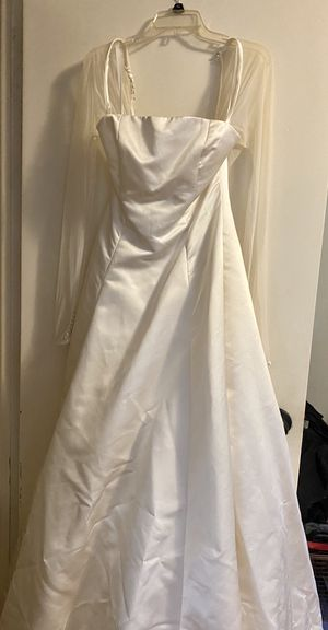 Long sleeve wedding gown for Sale in Cheshire, CT