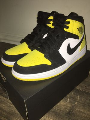 AIR JORDAN 1 MID YELLOW TOE (WU-TANG) SIZE 9 DEADSTOCK for Sale in Orlando, FL