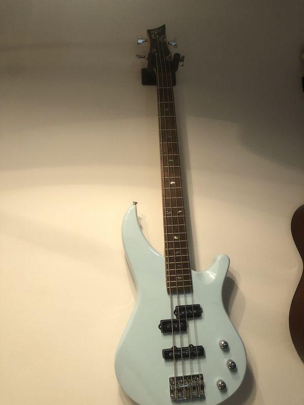 Electric guitar and Bass guitar