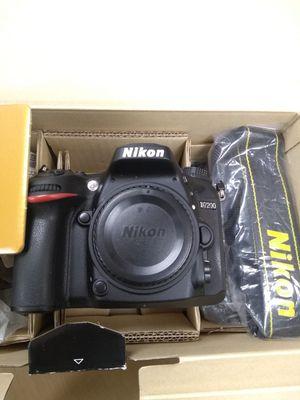 Nikon D7200 body only DSLR digital SLR camera like new for Sale in San Jose, CA