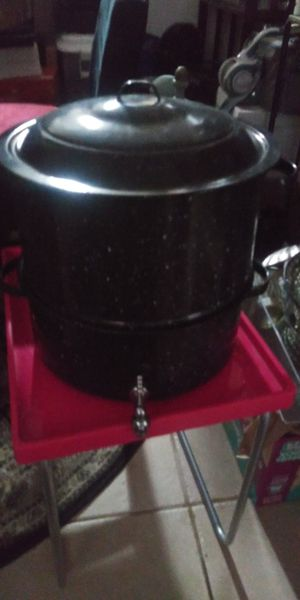 2 EX LARG POTS IN1 W LID USE STEAMER OR USE POTS SEPERATE 10DOL FIRM LOTS DEALS MY POST for Sale in Jupiter, FL