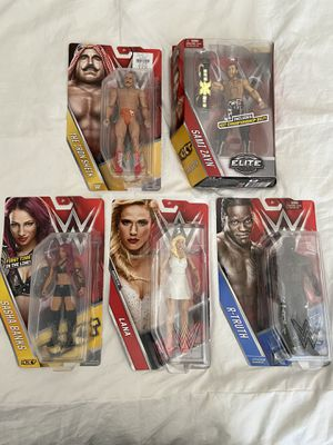 WWE WRESTLERS BRAND NEW (5) for Sale in Lutz, FL