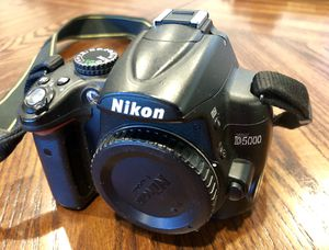 Nikon D5000 DSLR camera body for Sale in Edison, NJ