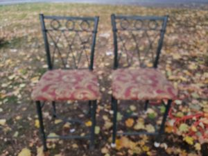 2 counter height chairs cushioned for Sale in Beaverton, OR