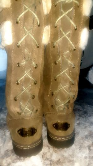 Bearpaw Boots Sz 9 Lace-up the back for Sale in Selma, OR