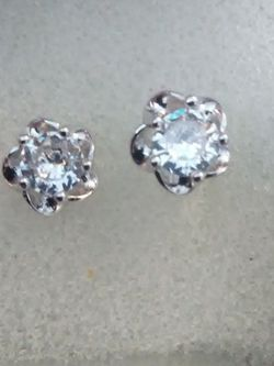 925 Sterling & White Sapphire Stud Earrings On Sale Now for Sale in Lombard,  IL
