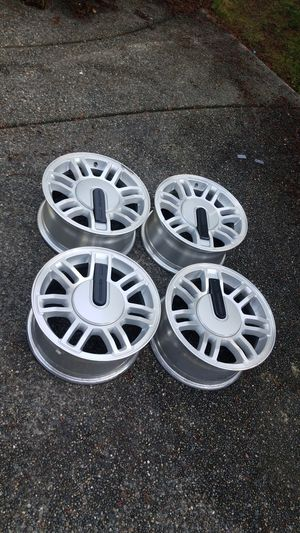 "Hummer 16"" rims wheels nearly mint condition for Sale in Seattle, WA"