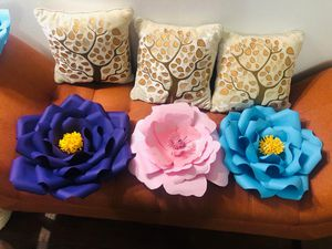 Set of 3 paper flowers for Sale in Saint Paul, MN