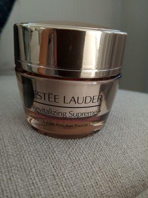 New Estee Lauder revitalizing supreme + creme for Sale in Chicago, IL