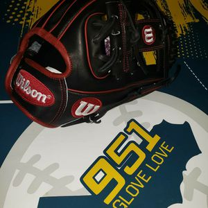 Wilson A2000 Dp15 11.5inch for Sale in Riverside, CA