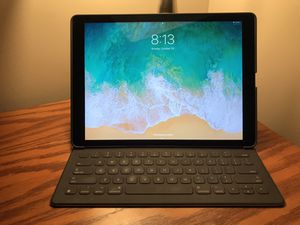 Apple iPad Pro 12.9, 32 GB, Generation 1 for Sale in Raleigh, NC