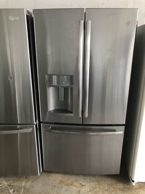"GE REFRIGERATOR 36"" Works great and warranty for 3 month Funcionando bien y garantía de 3 meses Delivery and installation available for Sale in Hialeah, FL"