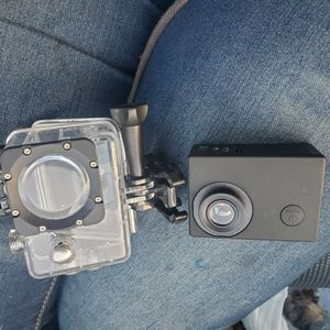 ACTION Q GO CAMERA W/ WATERPROOF CASE for Sale in Leesville, SC