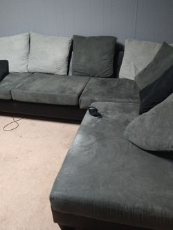 Grey And Black Couch for Sale in Brooklyn,  NY