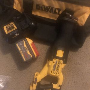 Flexvolt sawzall 9.0 batery and rapid charger for Sale in Silver Spring, MD