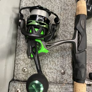 Lews Mach 2 300 Size Spinning Reel for Sale in Keizer, OR