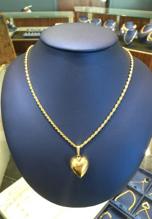 Rope Chain With Heart Pendant for Sale in Raleigh, NC